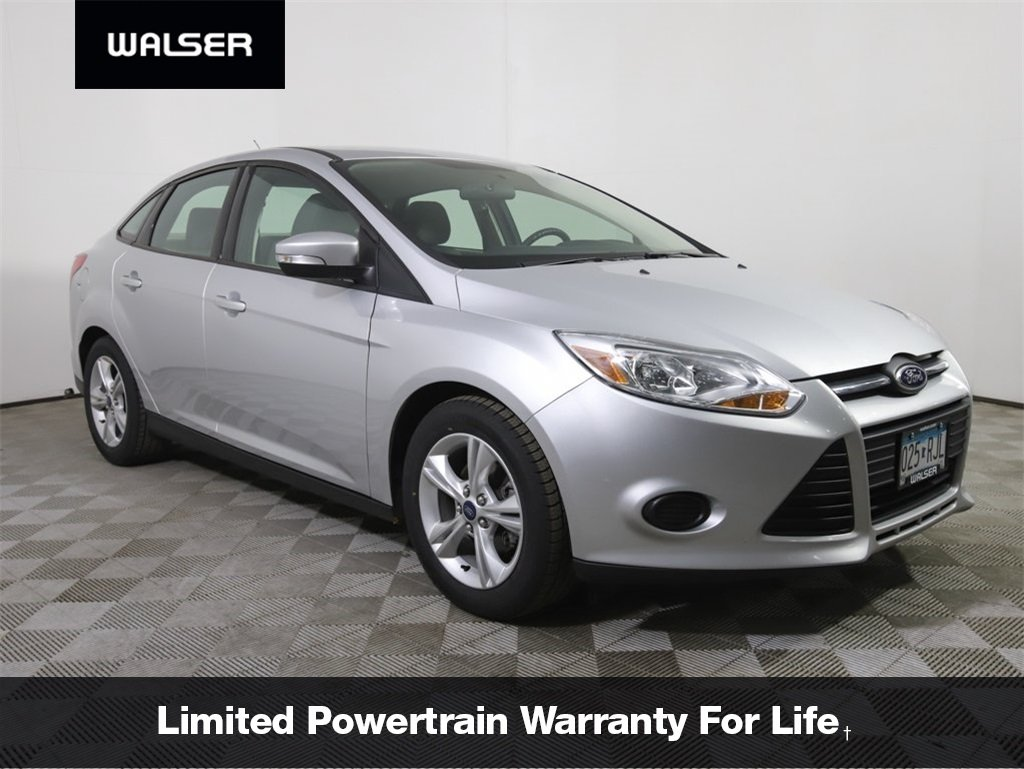 Pre-Owned 2014 Ford Focus SE AUTO